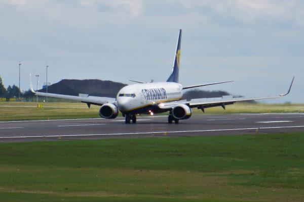 Od 13 czerwca na liniach lotniczych Ryanair odprawa online na 48 godzin przed lotem