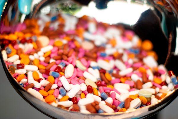 Jakie leki można zabrać na zagraniczny wyjazd?