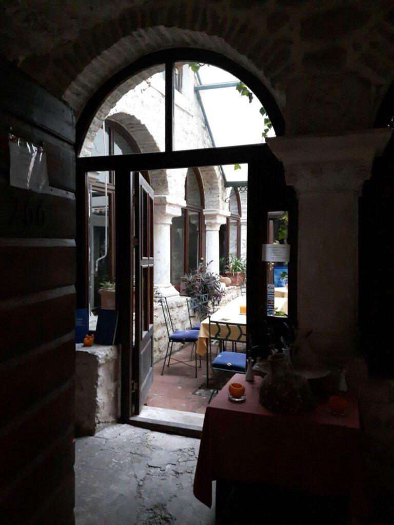 Restaurant Atrium Kotor ścieżki mojego świata