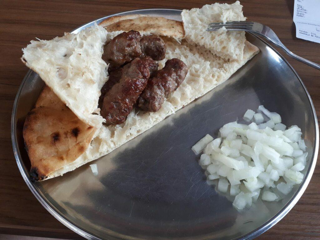 bośniacka kuchnia cevapy