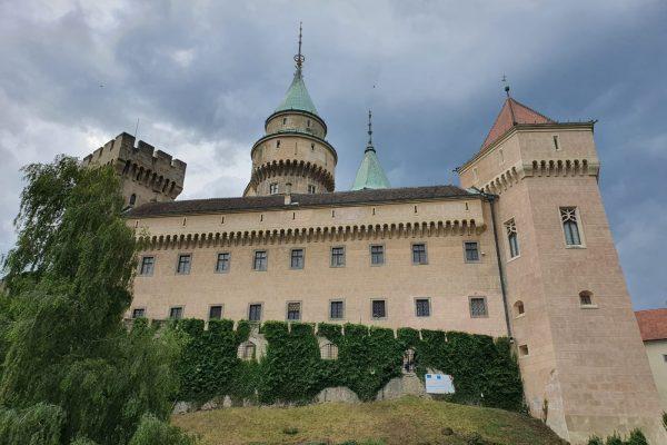 Zamek Bojnice, Bojnický Zámok – wakacje na Słowacji 2020