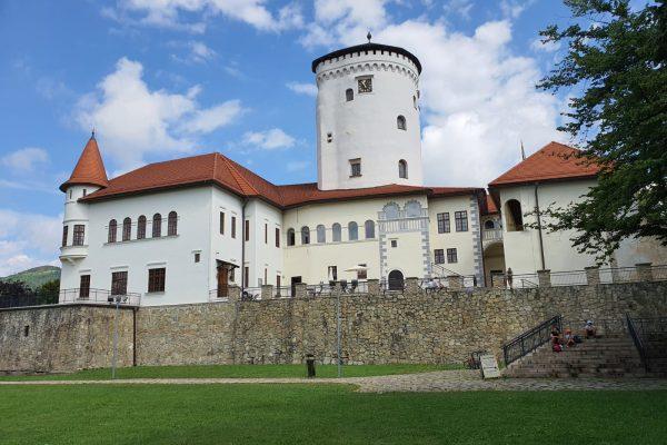 Budatínsky hrad czyli Zamek Budatin w Żylinie – wakacje na Słowacji 2020