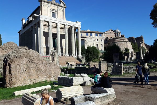 Forum Romanum – podróż wstecz do starożytności