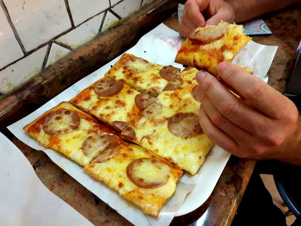 pizza w Rzymie